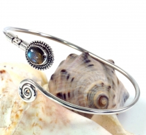 Boho bangle, bracelet with semi-precious stone - Labradorite