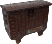 Indian wedding chest, wheel chest - Model 3