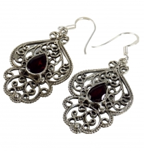 Facet cut earrings - Garnet