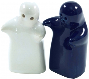Ceramic pepper and salt shaker `Lovers`- blue/white - 9x7x5 cm